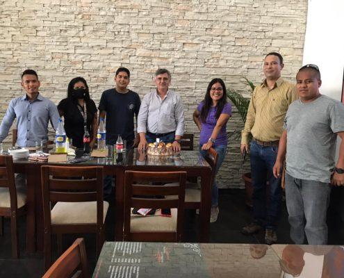Lubritech Perú | Roberto Romero junto al equipo de Talara.
